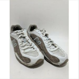 New Balance 442 White Beige Cloth Women's Athletic